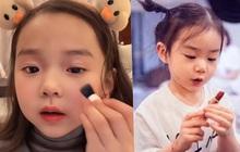 """Bé gái 5 tuổi """"chốt đơn"""" ầm ầm với gương mặt học sinh, phong thái phụ huynh: Sự thật phũ phàng phía sau các beauty blogger bị """"chín ép"""""""
