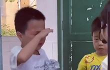 """Hai cậu bé đánh nhau bị cô giáo gọi lên phê bình, cái kết """"bẻ lái"""" khiến dân mạng cười ra nước mắt"""