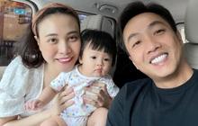 """Ái nữ mới 1 tuổi, mẹ bỉm Đàm Thu Trang quyết định lập """"gia tài riêng"""" giống nhà Hoà Minzy, Đông Nhi?"""