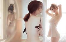 """""""Full không che"""" bộ ảnh nội y của Ngọc Trinh: Lồ lộ vòng 3 nhức mắt, khoảnh khắc ngực trần hờ hững """"nóng 100 độ"""""""