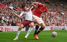 "Trực tiếp MU 0-0 Aston Villa (H1): Maguire và De Gea kết hợp tấu hài, fan MU suýt ""rụng tim"""