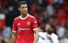 """Ít phút sau khi MU nhận thất bại đáng quên, Ronaldo khiến các fan choáng váng bằng quả lỗi """"to tướng"""" trên MXH"""
