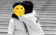 """Jack ôm ấp thân mật với 1 thành viên Running Man, netizen ngấm ngầm """"đẩy thuyền"""" rồi nha!"""