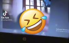 Nam sinh đang học online thì quên tắt camera, màn hình máy tính hiện lên 1 thứ khiến giáo viên tức điên