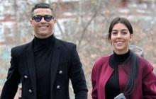 Bồ Ronaldo hé lộ chuyện tổ chức lễ cưới