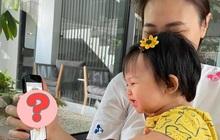 """Màn """"reaction"""" quá uy tín của ái nữ nhà đại gia Cường Đô La: Suchin nhìn thấy gì mà cười tít cả mắt thế này?"""