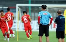 Cận kề ngày đấu tuyển Trung Quốc, HLV Park Hang-seo vẫn theo sát U22 Việt Nam