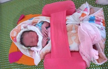 Nghệ An: Hàng chục gia đình hiếm muộn xin nhận nuôi bé trai bị bỏ rơi trong túi nylon