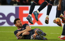 """Các huyền thoại bóng đá phản đối việc Messi nằm sân chống đá phạt chìm: """"Thật thiếu tôn trọng"""""""