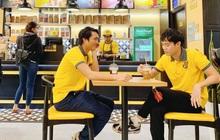 """Theo chân Văn Toàn, Tuấn Anh khám phá các món ngon, bổ, giá siêu """"hạt dẻ"""" tại cà phê Ông Bầu"""