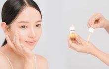 """Mới ra mùng được mấy ngày thôi mà """"em"""" serum vitamin C này đã phủ sóng hội hot Instagram"""
