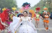 """Nhìn biển người tại lễ hội hoa Sầm Sơn, biết ngay điểm ăn chơi cực """"đã"""" mùa hè này"""