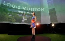 Chloe Nguyễn xem show Louis Vuitton tại nhà theo cách độc nhất vô nhị khiến ai cũng phải thốt lên: Đỉnh quá chị ơi!