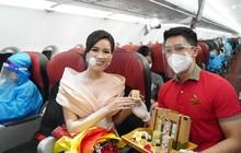 Cùng Hoa hậu Đỗ Thị Hà đón ngày 20/10 đặc biệt trên tàu bay Vietjet