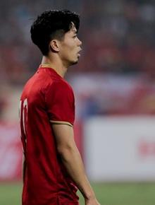 """Công Phượng đi bóng như """"đâm vào tường"""", trở thành trò cười cho cầu thủ UAE và khán giả Việt"""
