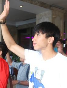 Đội tuyển U22 Việt Nam có mặt tại sân bay Philippines, làm thủ tục chuẩn bị về nước
