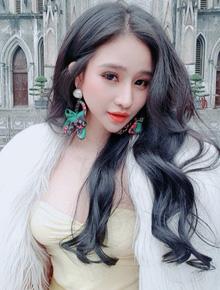 Vợ cũ Hồ Quang Hiếu chính thức lên tiếng sau vụ tố hiếp dâm ồn ào, khẳng định mình hạnh phúc nhất là khi có tiền trong tay