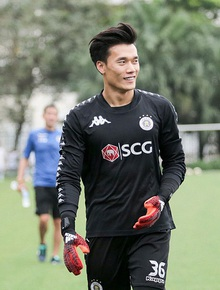 Bùi Tiến Dũng chia tay Hà Nội FC, tìm bến đỗ mới để cứu vãn sự nghiệp
