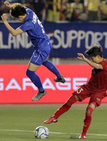 [Trực tiếp chung kết bóng đá nữ] Việt Nam 0-0 Thái Lan: KHÔNG VÀO!! Huỳnh Như bỏ lỡ cơ hội vàng