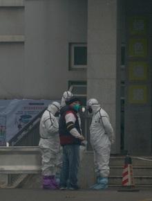 """Lệnh đóng cửa Vũ Hán: 11 triệu dân bị """"giam lỏng"""", ăn Tết ngay tại tâm dịch bệnh"""