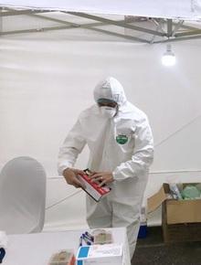 Hà Nội gửi công điện khẩn yêu cầu vừa tiến hành test nhanh vừa xét nghiệm RT-PCR tại trạm lấy mẫu di động trên địa bàn