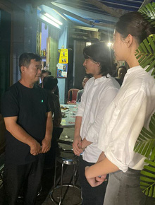 Ốc Thanh Vân xót xa, Lương Thuỳ Linh đến viếng và dành điều đặc biệt cho gia đình bé trai tử vong vì cây phượng bật gốc