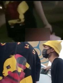"""Cư dân mạng tiếp tục """"soi"""" chiếc áo của Jack thuở hoạt động cùng K-ICM giống y hệt nhân vật nam trong clip nói xấu Sơn Tùng M-TP và ViruSs"""