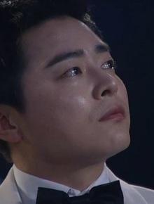 """Giáo sư của """"Hospital Playlist"""", bà cả """"Thế giới hôn nhân"""" cùng dàn sao Hàn """"rưng rưng"""" trước màn trình diễn của dàn sao nhí tại Baeksang 2020"""