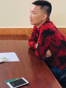 """""""Giang hồ mạng"""" Huấn Hoa Hồng bị phạt 17,5 triệu đồng vì xuất bản và bán sách không giấy phép"""