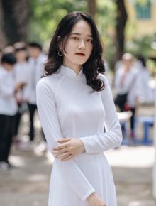 Đến hẹn lại lên, nữ sinh Chu Văn An xinh trong trẻo trong lễ bế giảng cuối cùng của đời học sinh