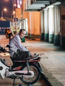 """Có một chợ đêm Bến Thành buồn đến nao lòng: """"Khách Việt còn không có chứ nói chi khách nước ngoài"""""""