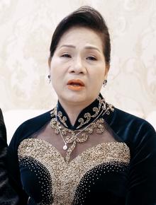 """Mẹ Hà My từng khóc hết nước mắt khi trao con cho Trọng Hưng: """"Đây là viên kim cương bố mẹ kì công gọt dũa"""""""