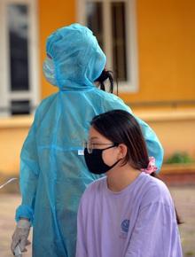 Ảnh: Hà Nội bắt đầu xét nghiệm PCR đối với người trở về từ Đà Nẵng
