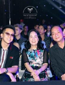 Cập nhật Chung kết Đại Sứ Hoàn Mỹ: 6 thí sinh chuẩn bị so kè cực gắt, CEO Matt Liu thân thiết bên bố mẹ Hương Giang