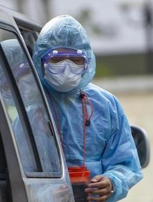 Dịch Covid-19 ngày 28/2: Lấy mẫu xét nghiệm người đàn ông chết trên xe khách