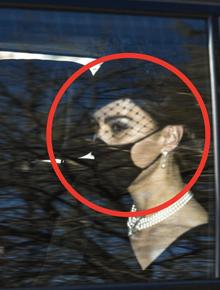 Các thành viên Hoàng gia Anh lần lượt xuất hiện tại nơi cử hành tang lễ Hoàng thân Philip, vợ chồng Công nương Kate không giấu nổi đau buồn