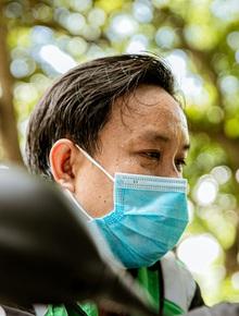 Nỗi buồn của tài xế Sài Gòn những ngày thực hiện Chỉ thị 10: Taxi mất việc, xe ôm mòn mỏi chờ khách