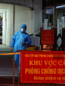 NÓNG: Đang phong toả Bệnh viện Phổi Hà Nội sau khi phát hiện 9 ca dương tính SARS-CoV-2