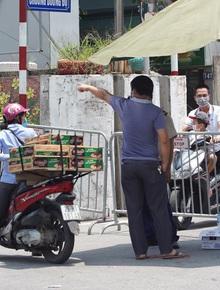 NÓNG: Hà Nội phong tỏa toàn bộ 1 phường của quận Hoàn Kiếm do có dân quân tự vệ dương tính SARS-CoV-2