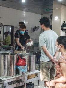 Hà Nội: Danh sách 21 quận, huyện, thị xã được bán hàng ăn, uống mang về từ 12h ngày 16/9
