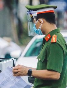 Hà Nội: Xem xét dừng kiểm tra giấy đi đường ở 19 quận, huyện bình thường mới