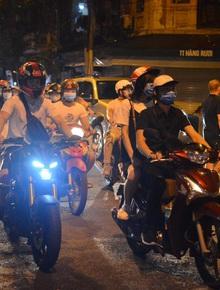 Phó Bí thư Hà Nội: Thành quả chống dịch bị thách thức rất lớn sau việc người dân đổ ra đường đêm Trung thu