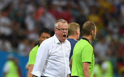 """""""BHL đội tuyển Đức ăn mừng, làm nhiều cử chỉ khiêu khích đội tuyển Thụy Điển"""""""