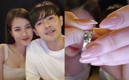 Đông Nhi và Ông Cao Thắng livestream sau hôn lễ: Kể tường tận sự cố trước ngày rước dâu, chia sẻ cận cảnh nhẫn cưới