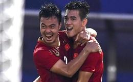 U22 Việt Nam ăn mừng đầy cảm xúc sau bàn thắng gỡ hòa 2-2 của Tiến Linh vào lưới U22 Thái Lan