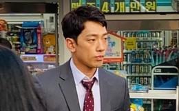 Kim Tae Hee bầu bí tháng cuối thai kỳ, Bi Rain vẫn vất vả quay phim đến xanh xao cố kiếm thêm tiền bỉm sữa?