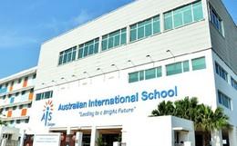 Chị em sinh đôi học trường quốc tế tại TP.HCM tự tử