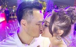 Chi Bảo hôn say đắm bạn gái kém 16 tuổi trong tiệc sinh nhật sang chảnh, phản ứng của Trương Ngọc Ánh đặc biệt hơn