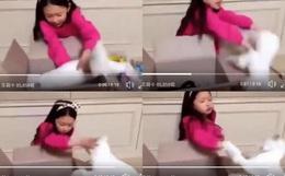 """Tranh cãi clip sao nhí """"đập hộp"""" quà Jimin (BTS) đặc biệt tặng, mẹ cô bé bị chỉ trích vì mải quay không trông con"""