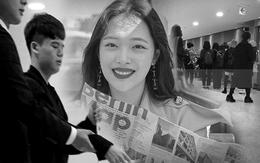 Độc quyền tang lễ Sulli từ Hàn: Fan khiếm thị một mình đến chờ, Yoo Ah In tiết lộ sao Hàn đã đến viếng từ rạng sáng